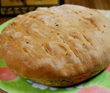 Chlebek z serem pecorino i oliwą